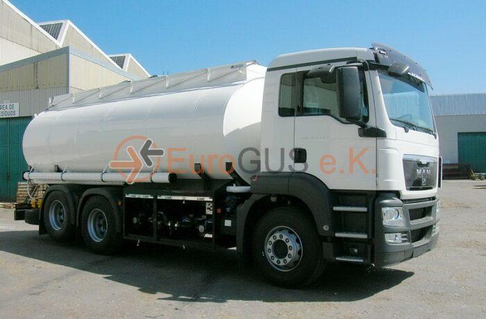 Tanklastwagen MAN