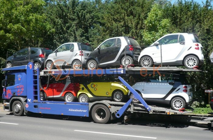Open car transporter