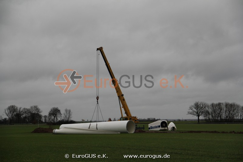 Heavy and oversized transport of a wind turbine Vestas